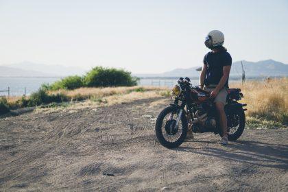 alquilar una moto en el puerto de Formentera