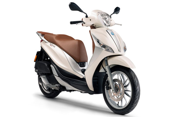 La Savina Rent a Car - Piaggio Medley 125c.c